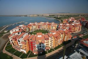 Beach Pool and Spa Apartment in Marina Cape, Apartmány  Aheloy - big - 7