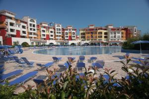 Beach Pool and Spa Apartment in Marina Cape, Apartmány  Aheloy - big - 2