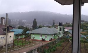 Selis Manor Holiday Home, Homestays  Nuwara Eliya - big - 17