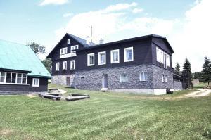 Penzion a restaurace Sokolí boudy