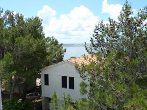 Apartment Villa Ema, Ferienwohnungen  Starigrad-Paklenica - big - 8