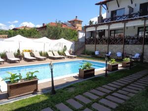 Einstein House & Spa, Guest houses  Marchevo - big - 33