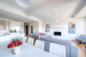 Lili Views 2, Apartmanok  San Sebastian - big - 21