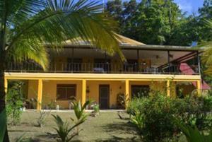 Caribbean Waves Island House