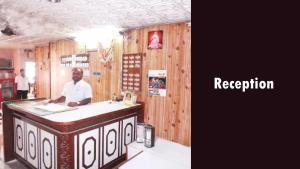 Hotel Santhosh Residency, Chaty v prírode  Hyderabad - big - 18