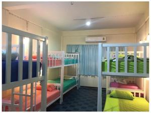 Empo Hostel at 22 Sukhumvit