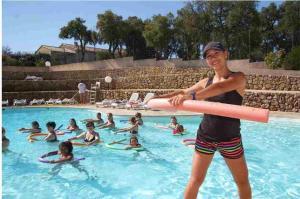 Bungalow Vacances - Riviera Vacances, Kempingy  Fréjus - big - 17