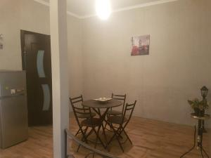 Guest house DoDo, Penzióny  Gori - big - 17