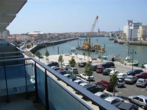 Rental Apartment Avec Une Belle Vue Sur Le Port De Pêche