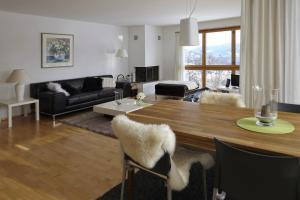 Heidi-Immo Carschun, Apartmány  Flims - big - 5