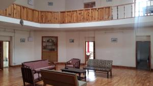 The Tara Villa, Bed & Breakfasts  Shamshi - big - 35