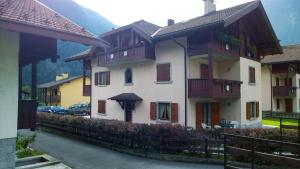Appartamento Felce, Apartments  Pinzolo - big - 28