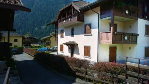 Appartamento Felce, Apartments  Pinzolo - big - 37