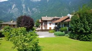 Appartamento Felce, Apartments  Pinzolo - big - 1