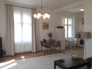 Exclusive apartment on Zborovska