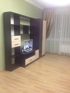 Apartment on Efremova 160