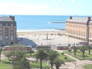 Vista Plaza Colón y Mar, Apartmány  Mar del Plata - big - 16
