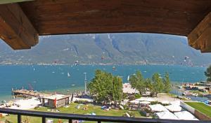 Holideal Campione Bed & Surf 60 - Apartment - Campione del Garda