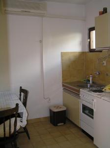 Apartments Karla, Апартаменты  Подгора - big - 10