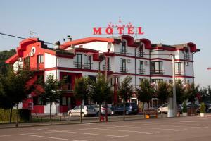 Taxi Bar Motel - фото 1