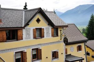 Chesa Staila Hotel - B&B, Bed and Breakfasts  La Punt-Chamues-ch - big - 75
