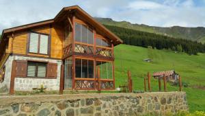 Azra Dağ Evi̇, Horské chaty  Güzelce - big - 9