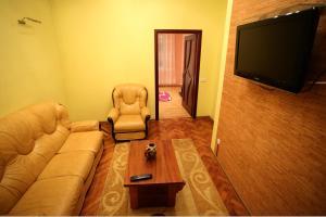 RomanticApartaments ,TWO BEDROOM, Apartments  Lviv - big - 23