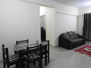 Navratan Apartments