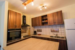 Galaxy Apartment, Ferienwohnungen  Braşov - big - 12