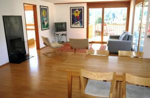 Heidi-Immo Casa Miro 6, Apartmány  Flims - big - 3