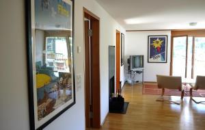 Heidi-Immo Casa Miro 6, Apartmány  Flims - big - 9