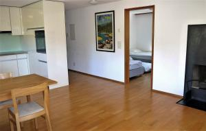 Heidi-Immo Casa Miro 6, Apartmány  Flims - big - 22