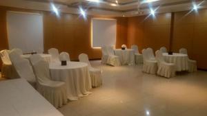 Rose Garden Hotel, Hotels  Riyadh - big - 62