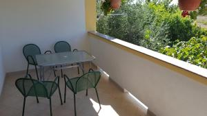 One-Bedroom Apartment (3 Adults) - Balcony/terrace Apartments Danijela