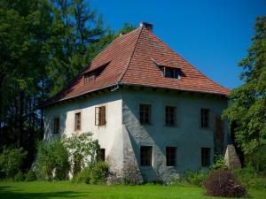 Wysoka Manor