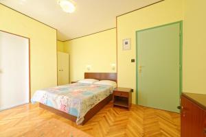 Guest House Lanča 2886, Pensionen  Banjol - big - 3