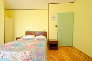 Guest House Lanča 2886, Pensionen  Banjol - big - 38
