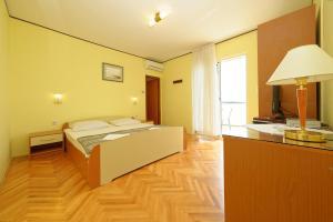 Guest House Lanča 2886, Pensionen  Banjol - big - 42