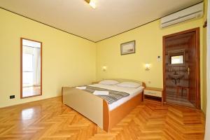 Guest House Lanča 2886, Pensionen  Banjol - big - 48