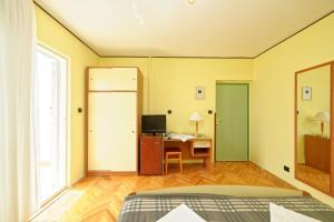 Guest House Lanča 2886, Pensionen  Banjol - big - 49