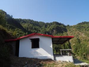Dhanaulti Camp Homes And Retreat
