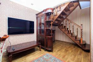 2 floor Apartment near Kyiv Zhulyany Airport&Kiev railway