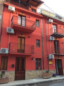 B&B Casa Marina, Отели типа «постель и завтрак»  Санто-Стефано-ди-Камастра - big - 57