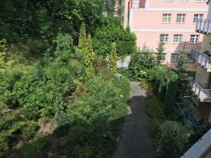 Apartment Veronika 2, Appartamenti  Karlovy Vary - big - 15