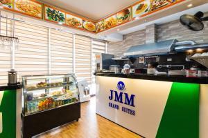 JMM Grand Suites, Aparthotels  Manila - big - 37