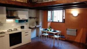 Oltrarno studio apartment