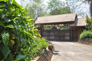 Tibetan Loft Meditation Garden Home