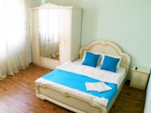 Apartments Oktyabrskiy 36G