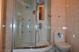 Hotel Oktyabr'skaya on Belinskogo, Hotely  Kamensk-Ural'skiy - big - 43