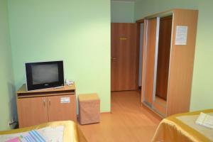 Hotel Oktyabr'skaya on Belinskogo, Hotely  Kamensk-Ural'skiy - big - 44